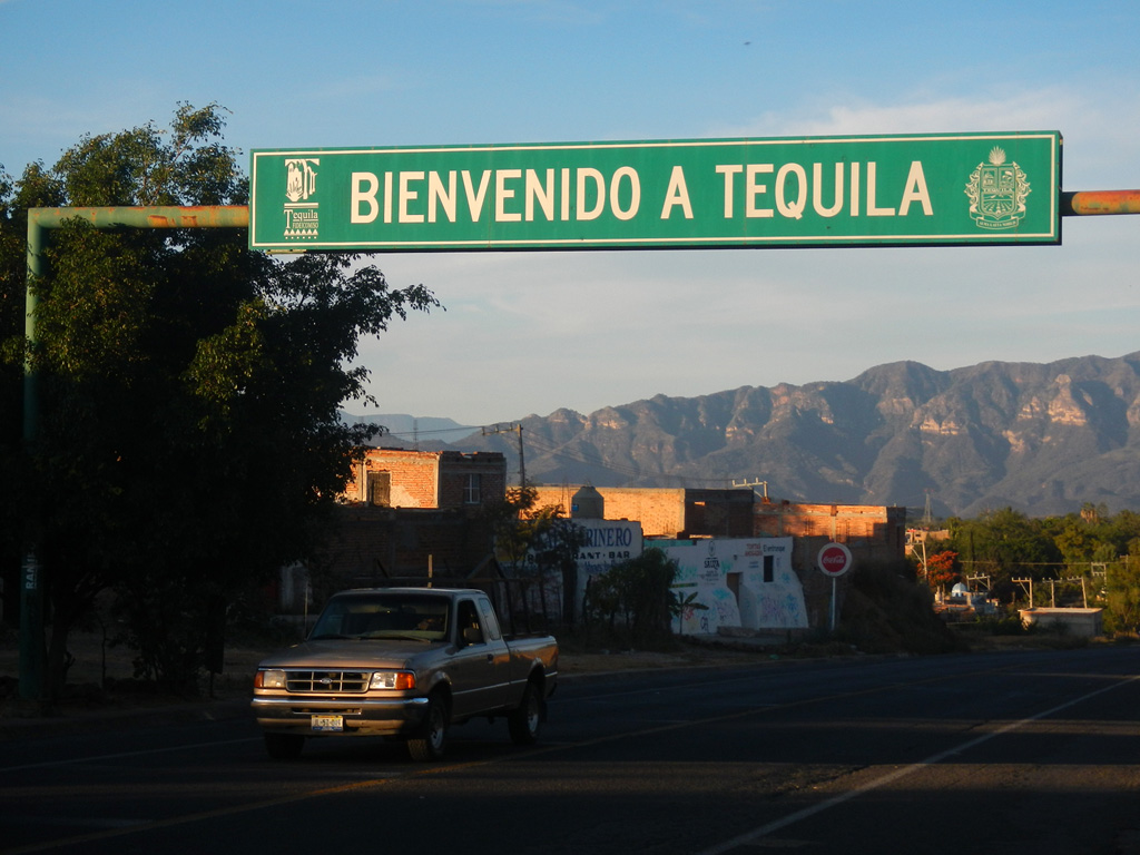 Ortseingang, Tequila Stadt