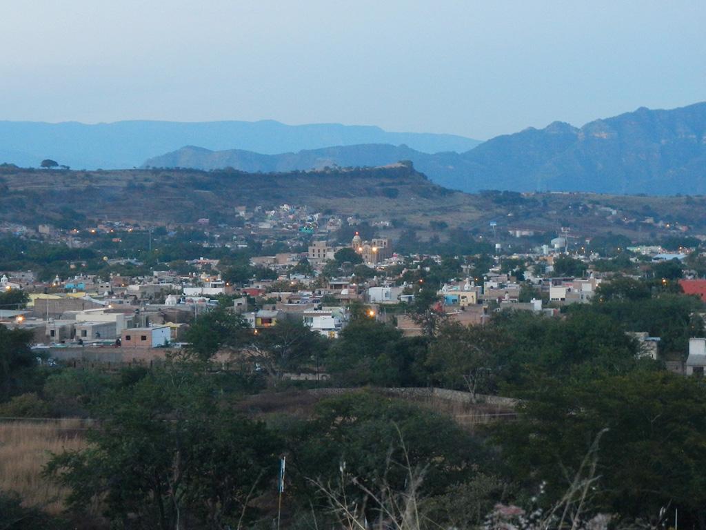 Panorama: Tequila Stadt und Vulkan Tequila